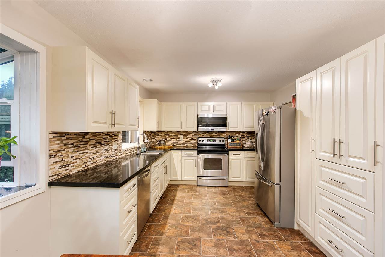 5586 NUTHATCH PLACE - Grouse Woods House/Single Family for sale, 4 Bedrooms (R2527333) - #5
