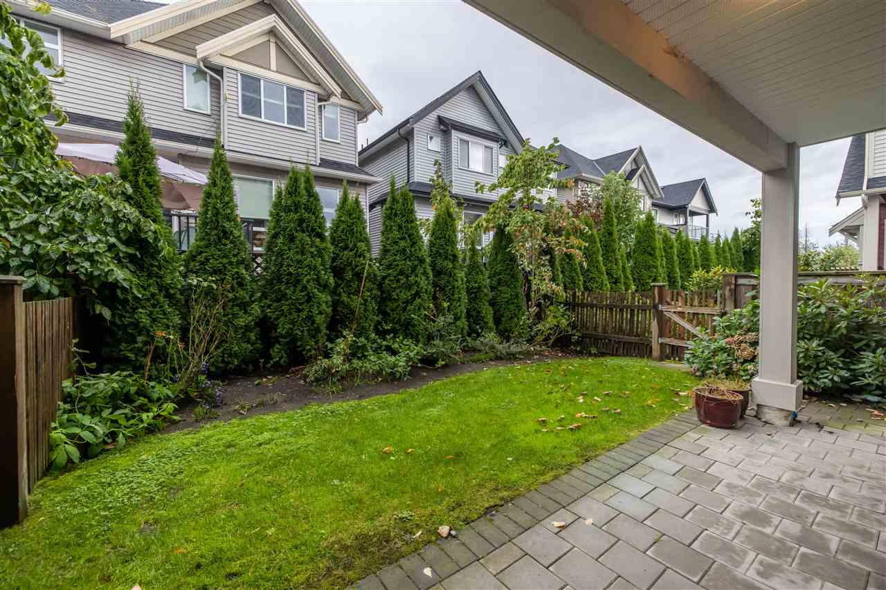 11 21017 76 AVENUE - Willoughby Heights Townhouse for sale, 3 Bedrooms (R2527368) - #23