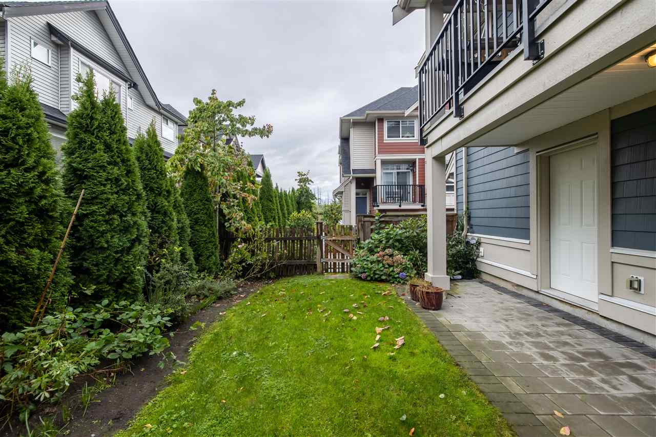 11 21017 76 AVENUE - Willoughby Heights Townhouse for sale, 3 Bedrooms (R2527368) - #24