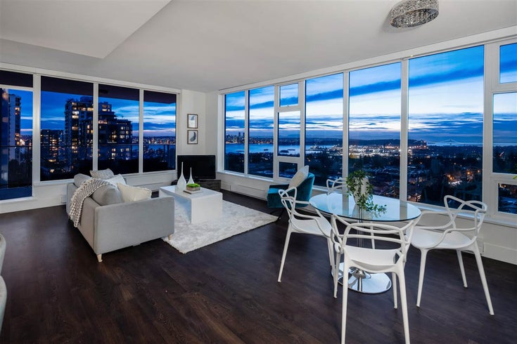 806 150 W 15TH STREET - Central Lonsdale Apartment/Condo for sale, 2 Bedrooms (R2527579)