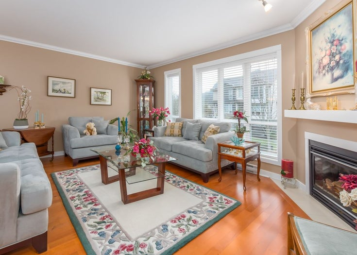 8 1233 MAIN STREET - Downtown SQ Townhouse for sale, 3 Bedrooms (R2527763)