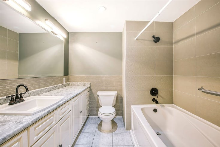 201 815 FOURTH AVENUE - Uptown NW Apartment/Condo for sale, 1 Bedroom (R2527823)