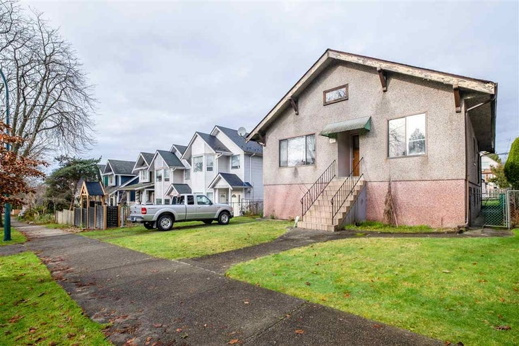 1995 KITCHENER STREET - Grandview Woodland House/Single Family for sale, 3 Bedrooms (R2527994)
