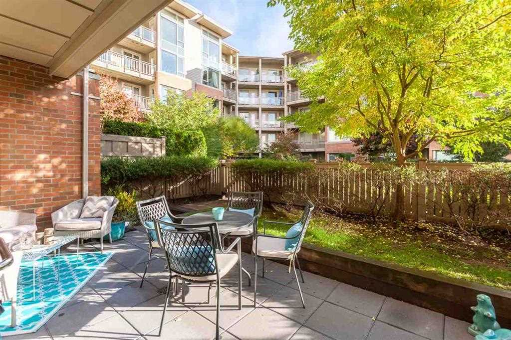 104 119 W 22ND STREET - Central Lonsdale Apartment/Condo for sale, 2 Bedrooms (R2528137) - #1
