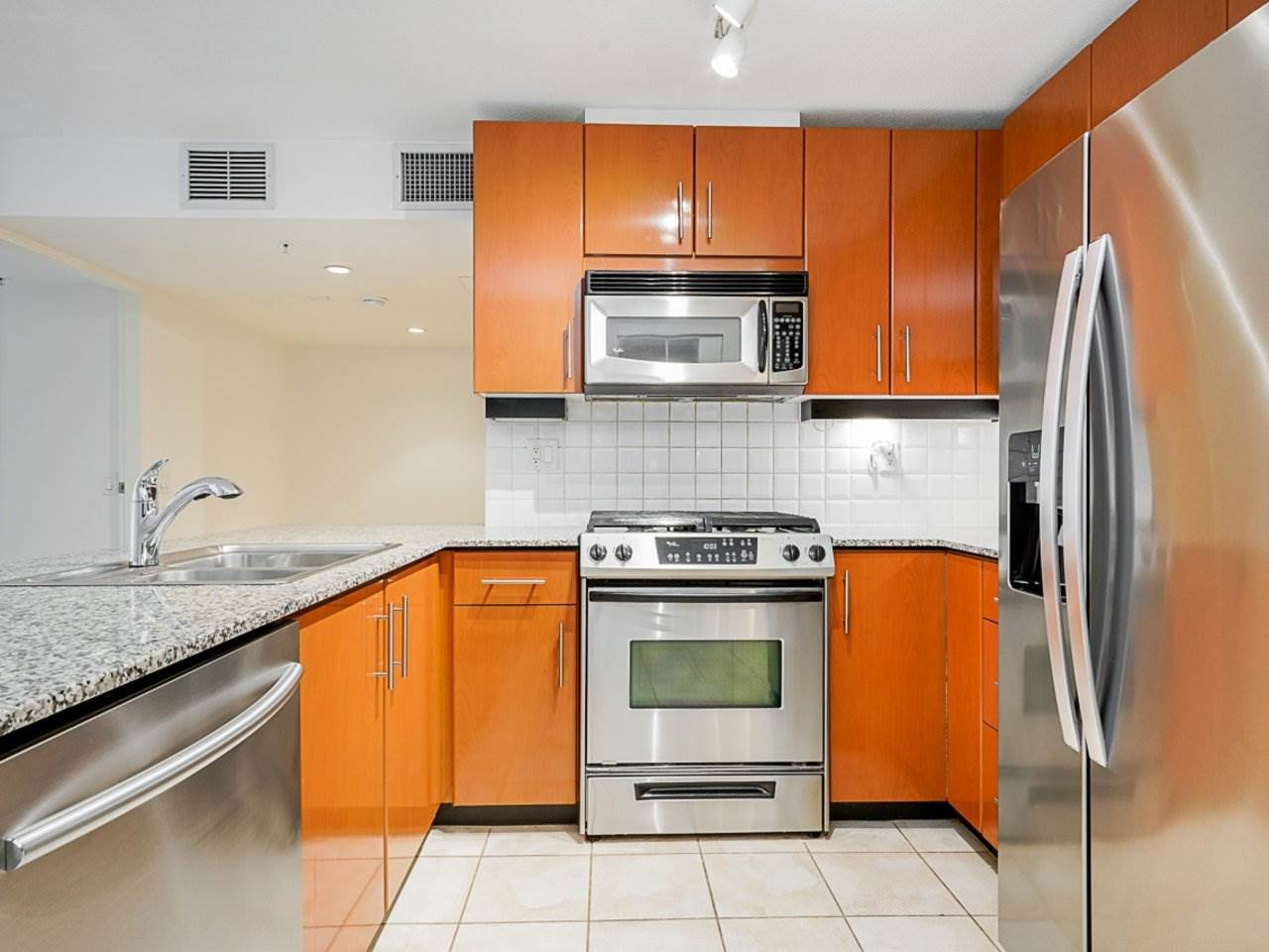604 188 E ESPLANADE - Lower Lonsdale Apartment/Condo for sale, 2 Bedrooms (R2528391) - #8