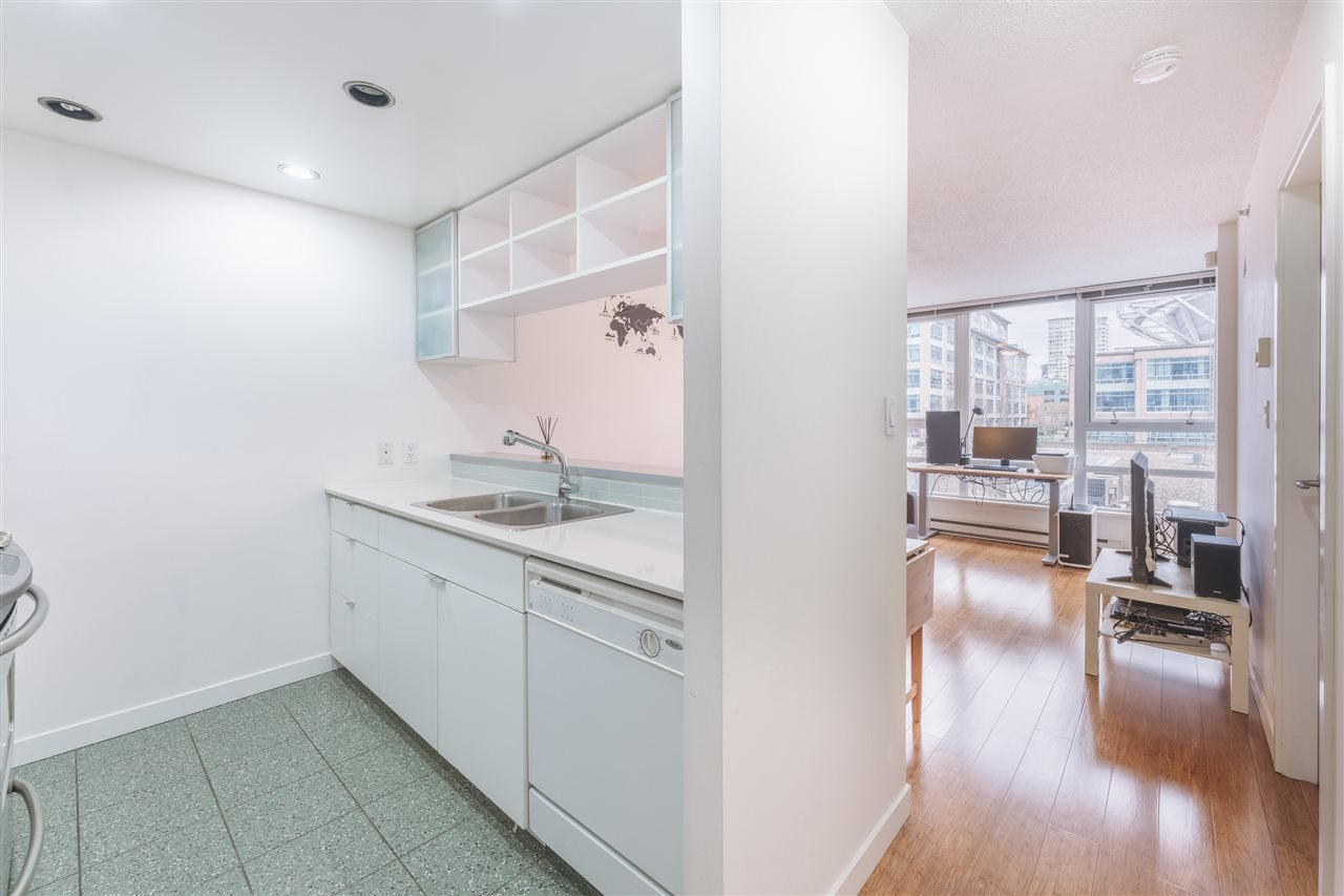 607 939 EXPO BOULEVARD - Yaletown Apartment/Condo for sale, 1 Bedroom (R2528497) - #3