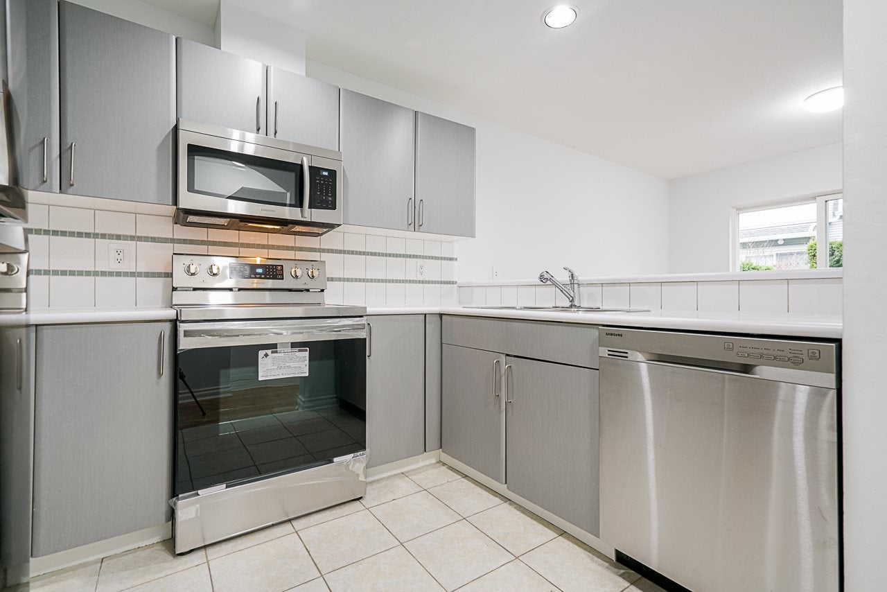 38 6450 199 STREET - Willoughby Heights Townhouse for sale, 3 Bedrooms (R2528561) - #11