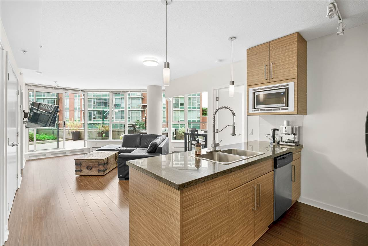 202 689 ABBOTT STREET - Downtown VW Apartment/Condo for sale, 2 Bedrooms (R2528583) - #2