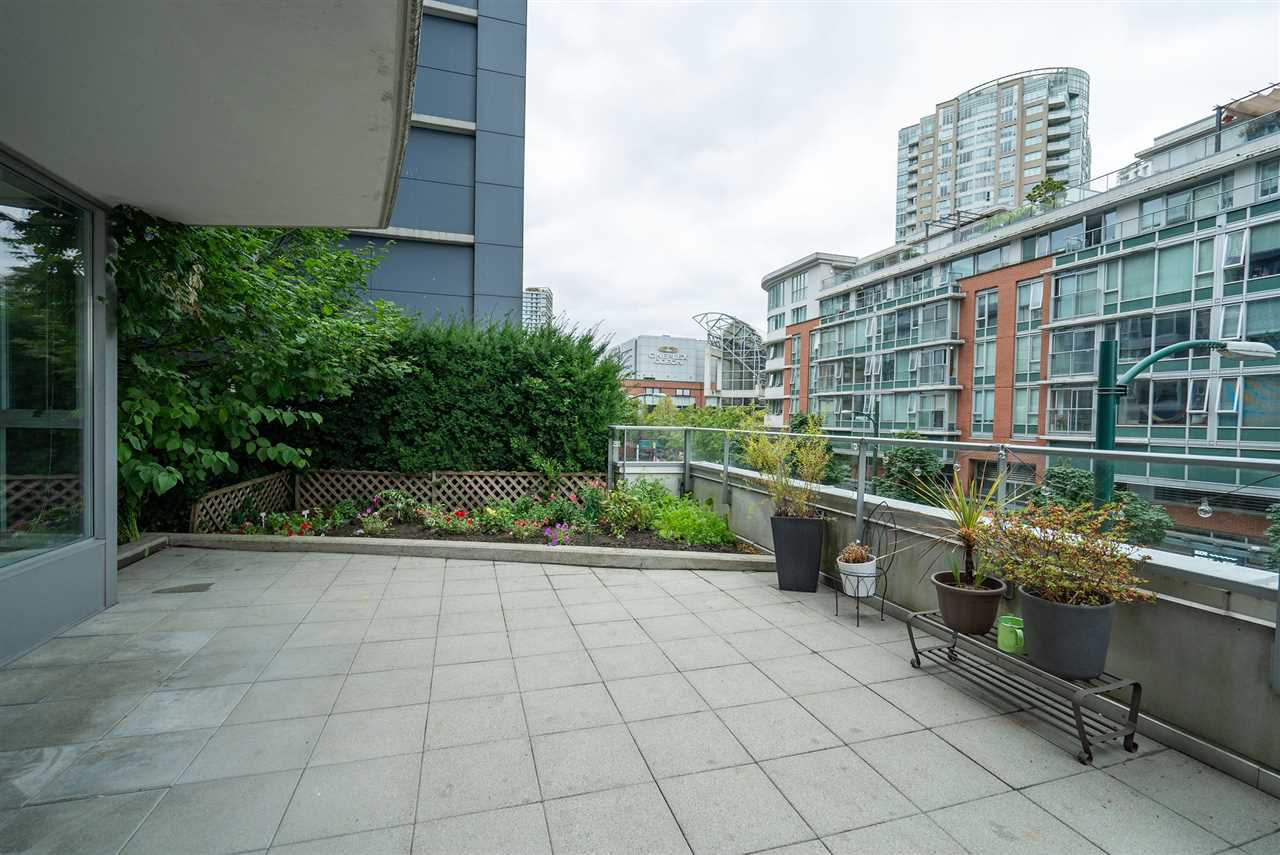 202 689 ABBOTT STREET - Downtown VW Apartment/Condo for sale, 2 Bedrooms (R2528583) - #27