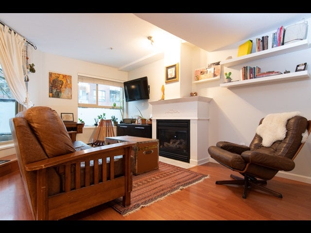 3 3477 COMMERCIAL STREET - Victoria VE Townhouse for sale, 3 Bedrooms (R2528606) - #1