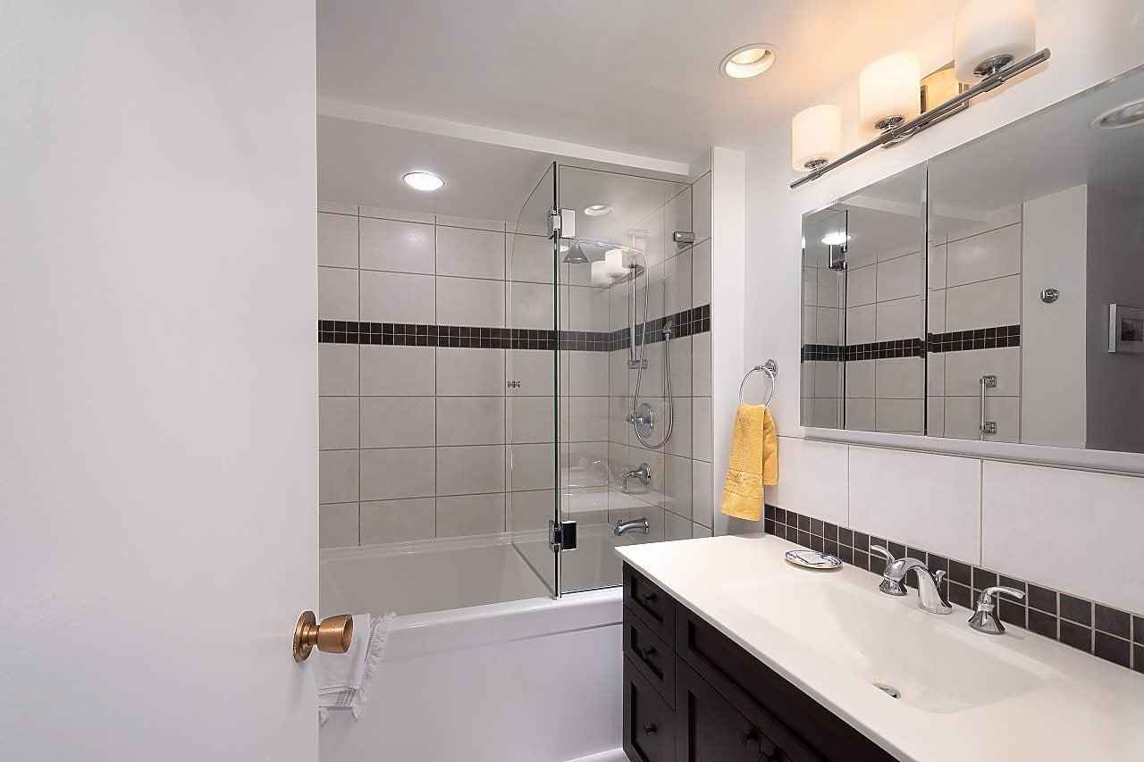 501 1960 ROBSON STREET - West End VW Apartment/Condo for sale, 2 Bedrooms (R2528617) - #13