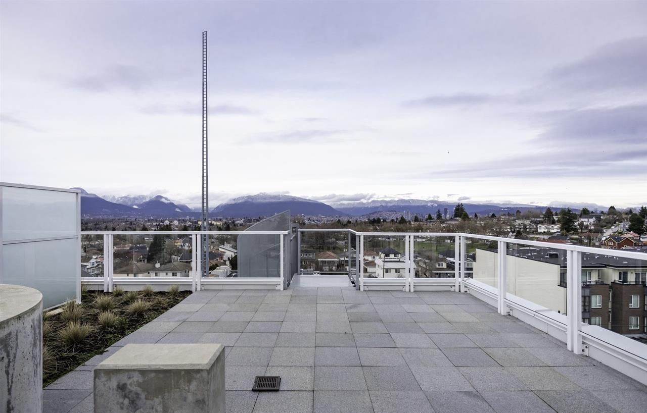 608 2220 KINGSWAY - Victoria VE Apartment/Condo for sale, 2 Bedrooms (R2528682)
