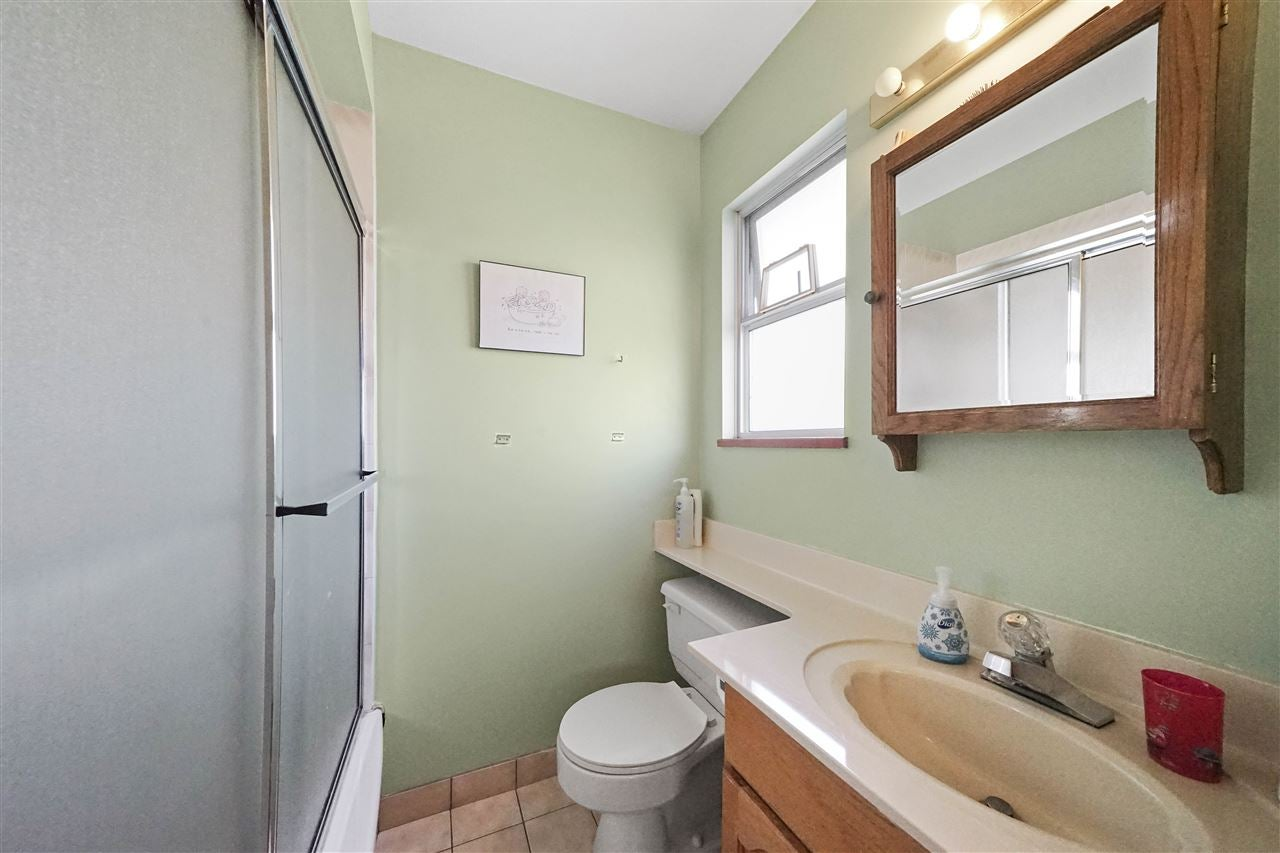 1670 E 57TH AVENUE - Fraserview VE House/Single Family for sale, 6 Bedrooms (R2528714) - #16