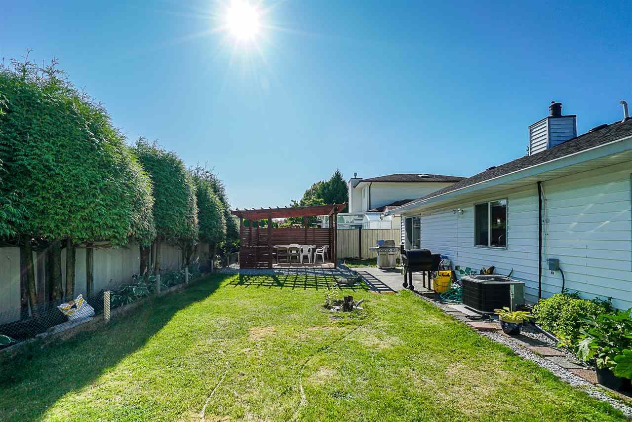 16130 95A AVENUE - Fleetwood Tynehead House/Single Family for sale, 3 Bedrooms (R2528754) - #10