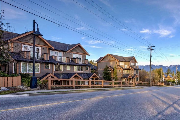 2 728 GIBSONS WAY - Gibsons & Area Townhouse for sale, 2 Bedrooms (R2528819)