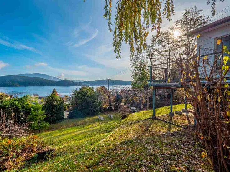 609 GLEN ROAD - Gibsons & Area House/Single Family for sale, 1 Bedroom (R2528927)