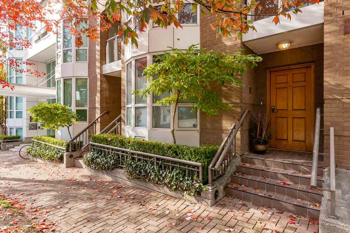 TH16 1501 HOWE STREET - Yaletown Townhouse for sale, 2 Bedrooms (R2528956)