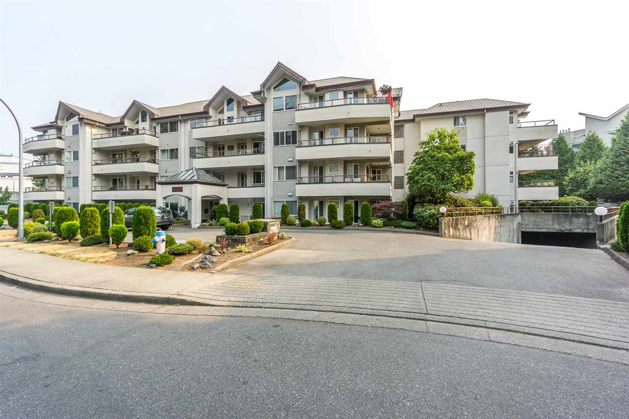 406 2526 LAKEVIEW CRESCENT - Central Abbotsford Apartment/Condo for sale, 2 Bedrooms (R2529108) - #1