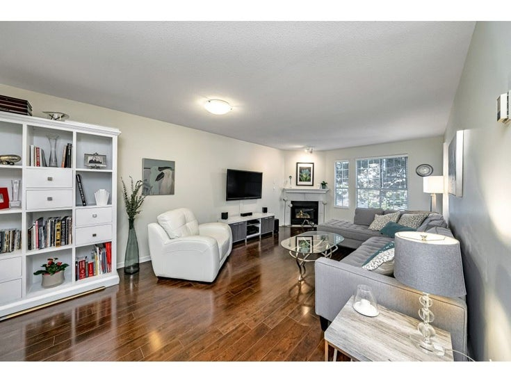 201 1450 MERKLIN STREET - White Rock Apartment/Condo for sale, 2 Bedrooms (R2529735)