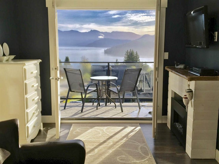 605 WOODLAND AVENUE - Gibsons & Area House/Single Family for sale, 5 Bedrooms (R2529889)