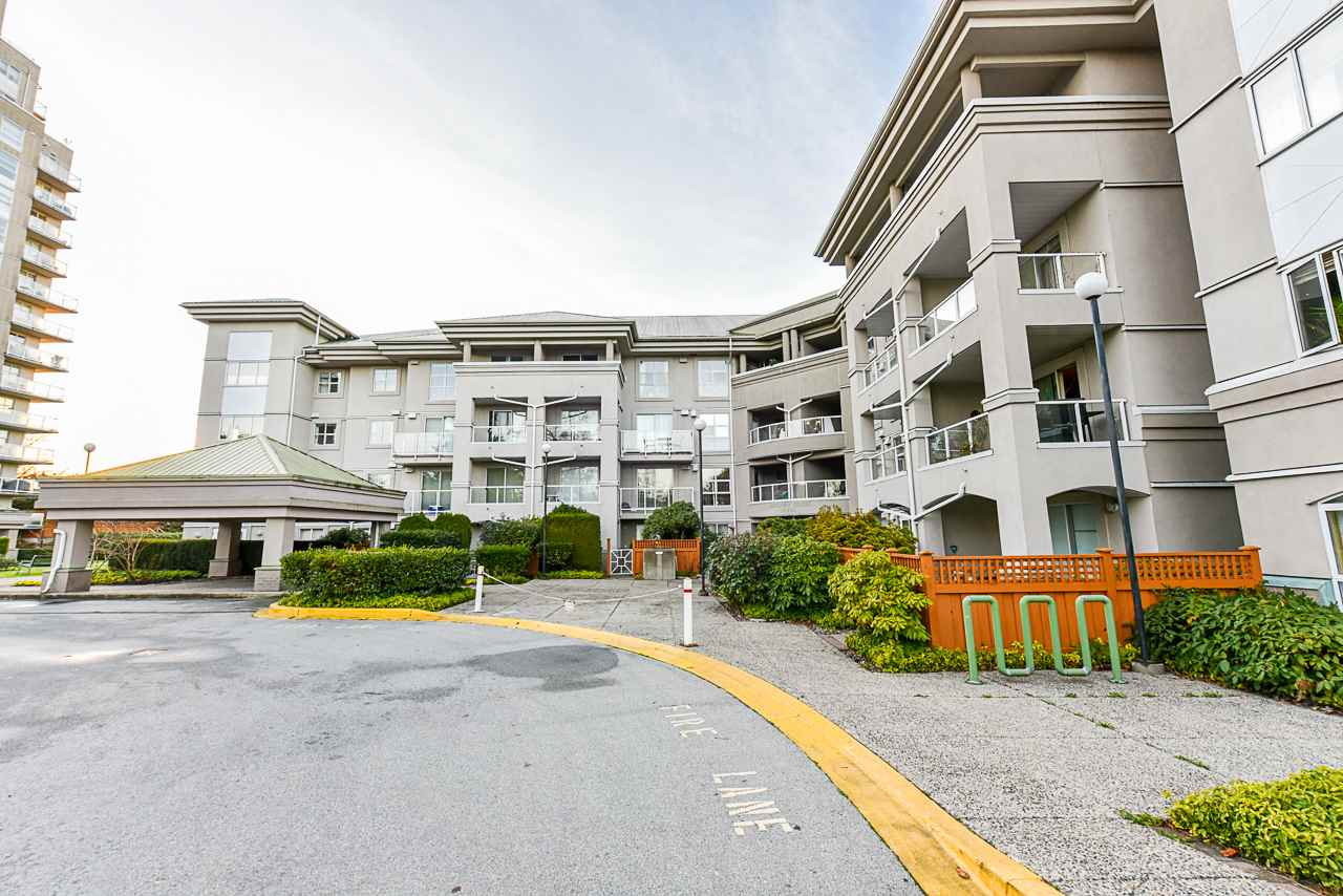 211 10533 UNIVERSITY DRIVE - Whalley Apartment/Condo for sale, 2 Bedrooms (R2530385)