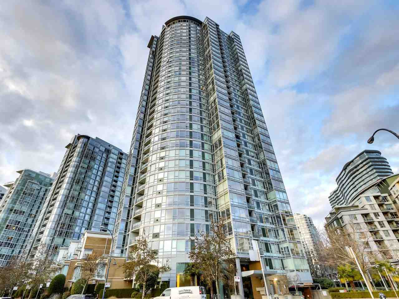 2206 1033 MARINASIDE CRESCENT - Yaletown Apartment/Condo for sale, 2 Bedrooms (R2530454) - #1