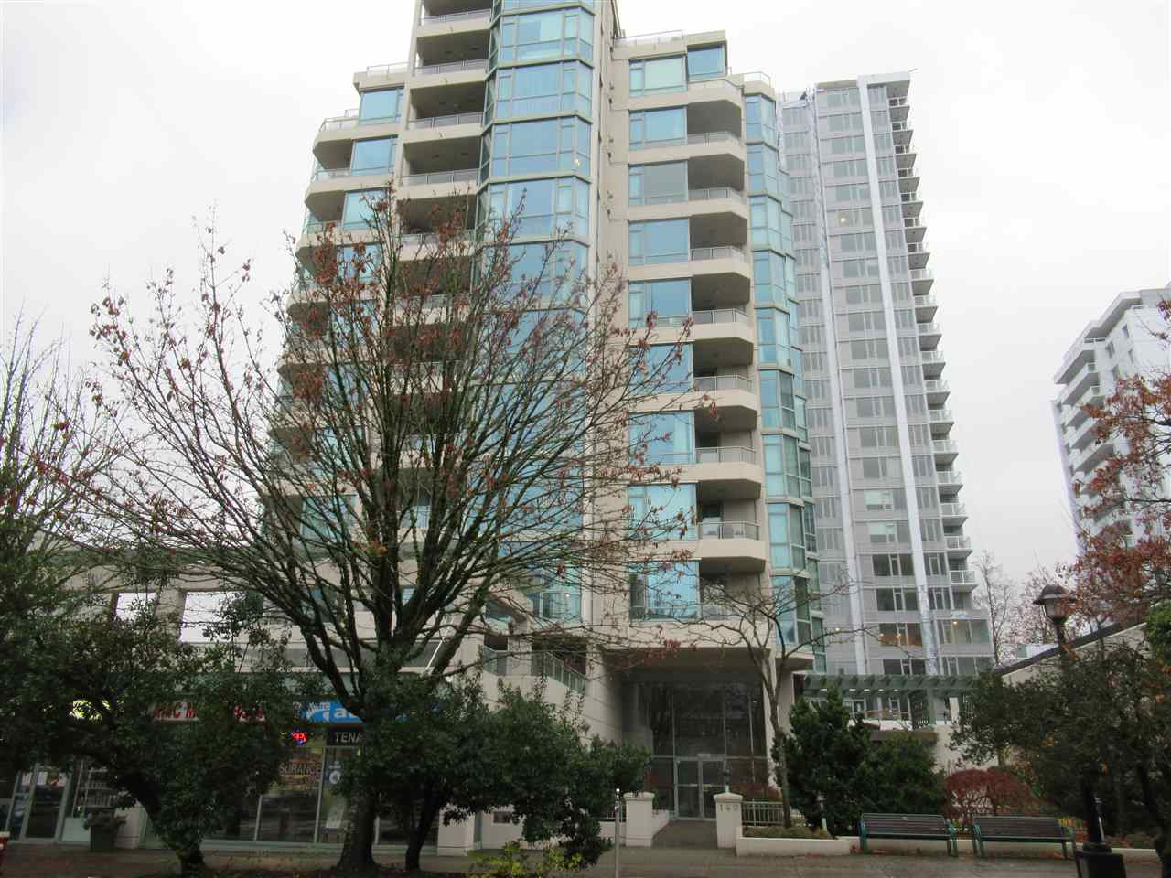802 140 E 14 STREET - Central Lonsdale Apartment/Condo for sale, 1 Bedroom (R2531399)