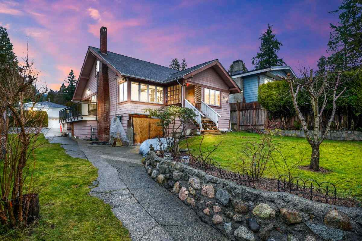 234 E 25TH STREET - Upper Lonsdale House/Single Family for sale, 4 Bedrooms (R2532511) - #1