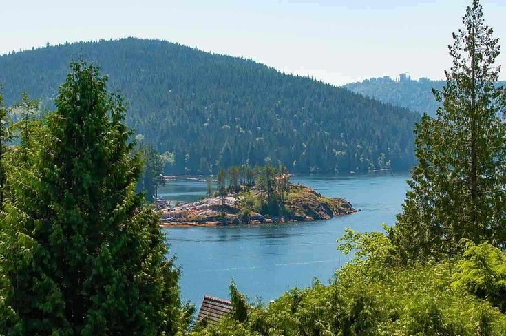 4765 COVE CLIFF ROAD - Deep Cove House/Single Family for sale, 5 Bedrooms (R2532923)