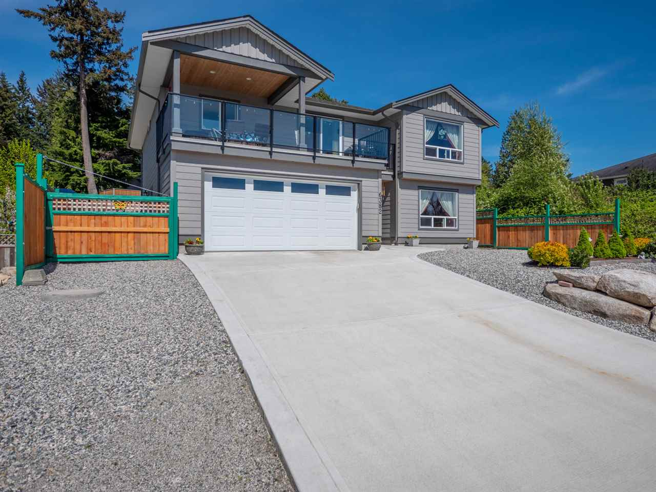 6382 SAMRON ROAD - Sechelt District House/Single Family for sale, 4 Bedrooms (R2532984)
