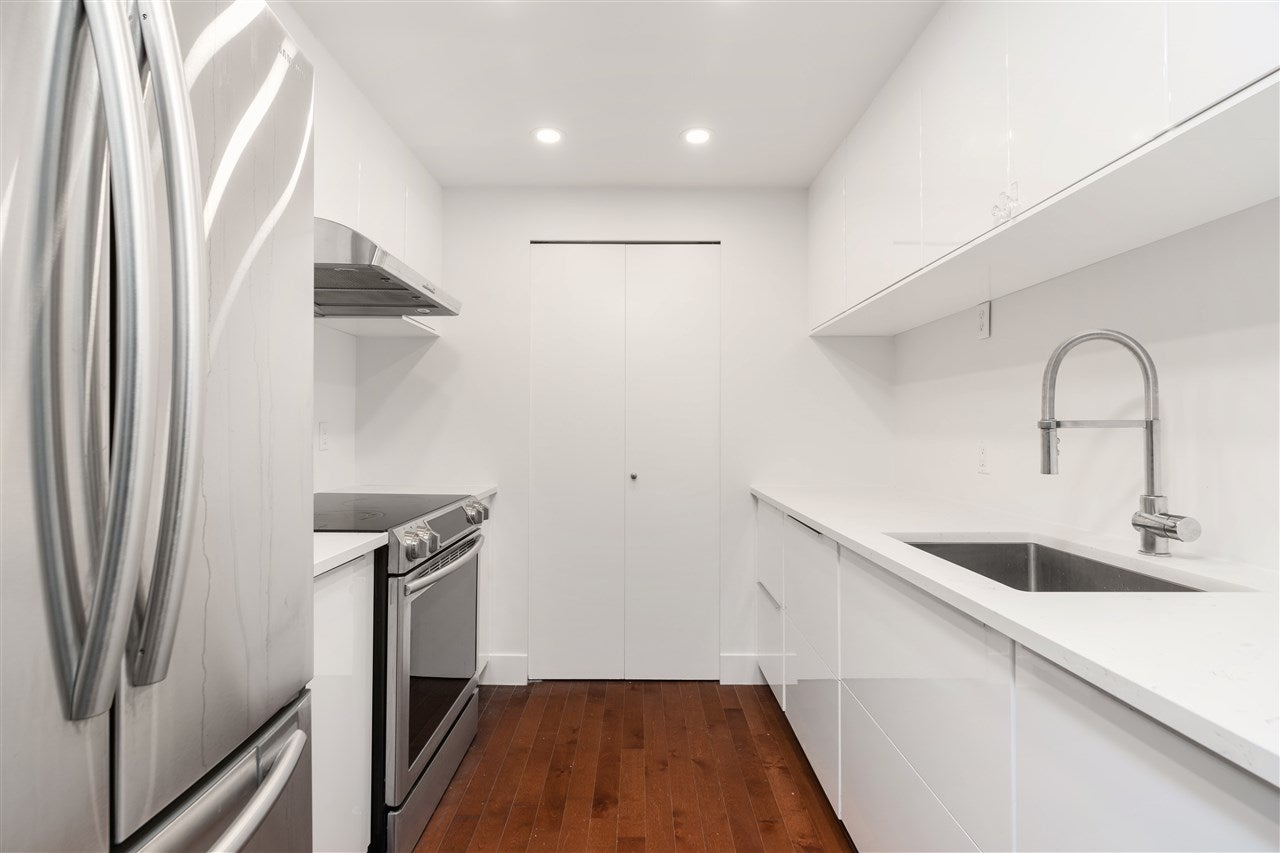607 212 DAVIE STREET - Yaletown Apartment/Condo for sale, 2 Bedrooms (R2535898) - #1