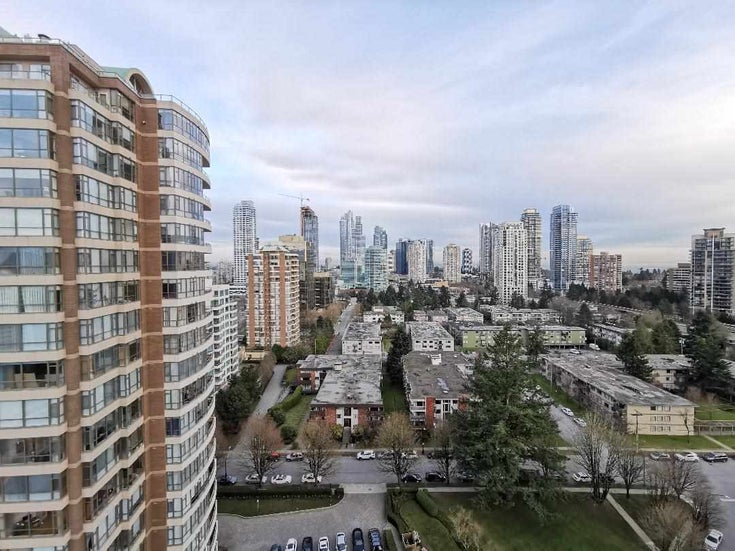 2102 5883 BARKER AVENUE - Metrotown Apartment/Condo for sale, 2 Bedrooms (R2536688)