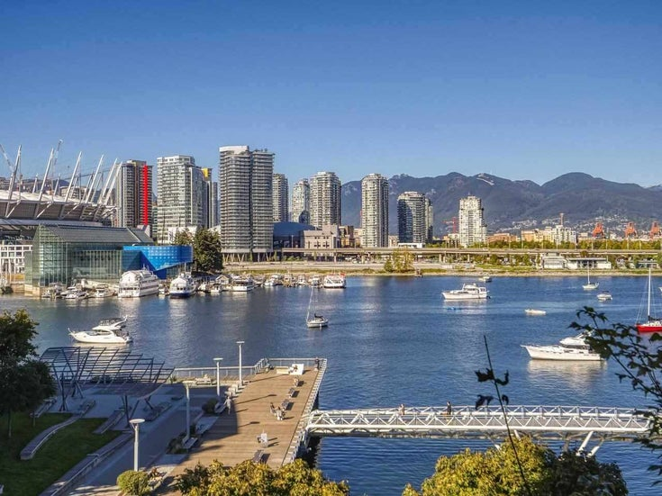 501 138 ATHLETES WAY - False Creek Apartment/Condo for sale, 2 Bedrooms (R2536700)