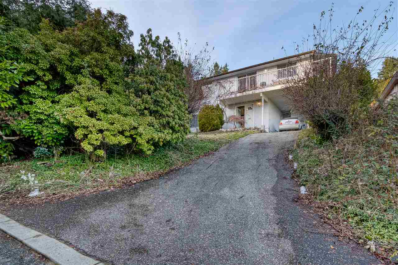 1070 DORAN ROAD - Lynn Valley House/Single Family for sale, 5 Bedrooms (R2537045) - #2