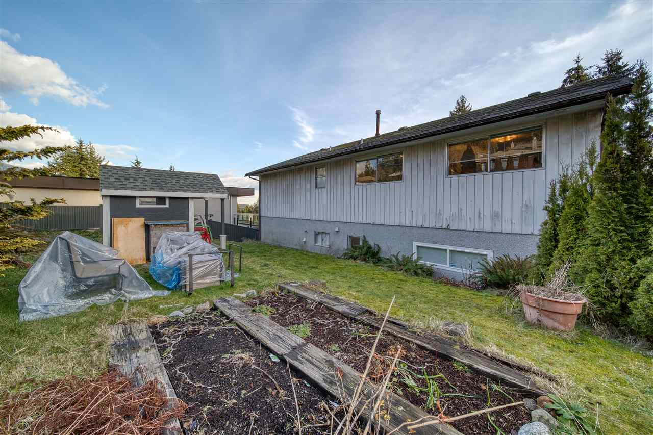 1070 DORAN ROAD - Lynn Valley House/Single Family for sale, 5 Bedrooms (R2537045) - #24