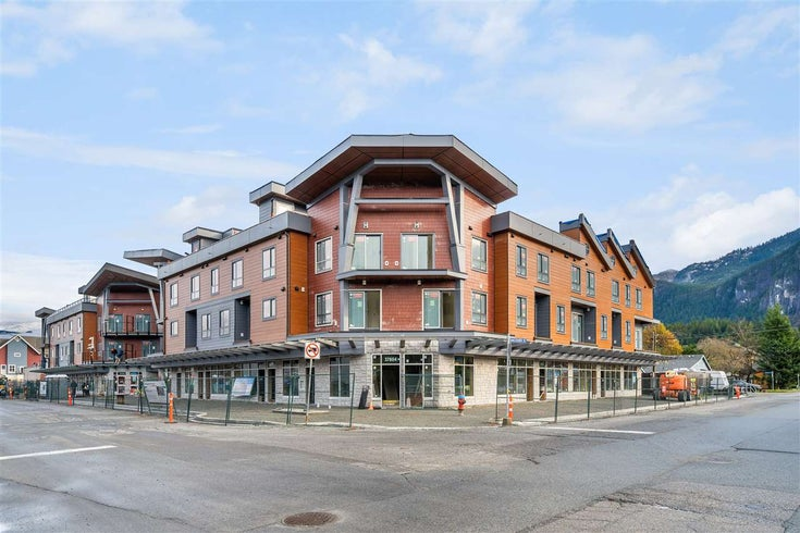 SL18 37830 THIRD AVENUE - Downtown SQ Townhouse for sale, 3 Bedrooms (R2537199)