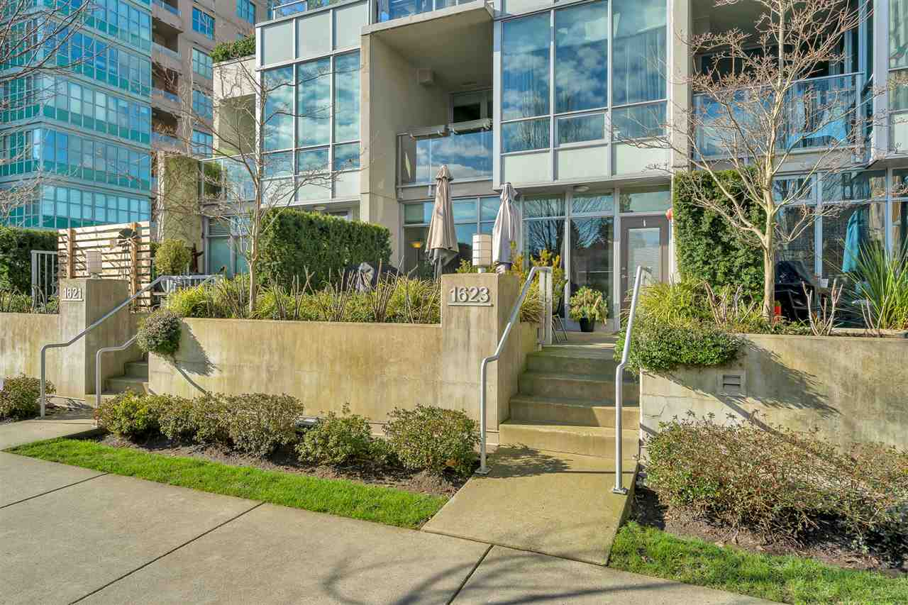 1623 EASTERN AVENUE - Central Lonsdale Townhouse for sale, 2 Bedrooms (R2537861) - #2