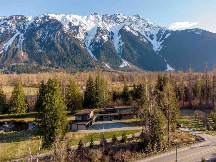 1760 HIGHWAY 99 - Pemberton House with Acreage for sale, 3 Bedrooms (R2538845)