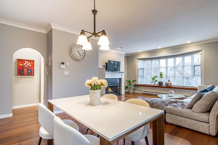 104 222 W 4TH ROAD - Lower Lonsdale Townhouse for sale, 3 Bedrooms (R2539275)