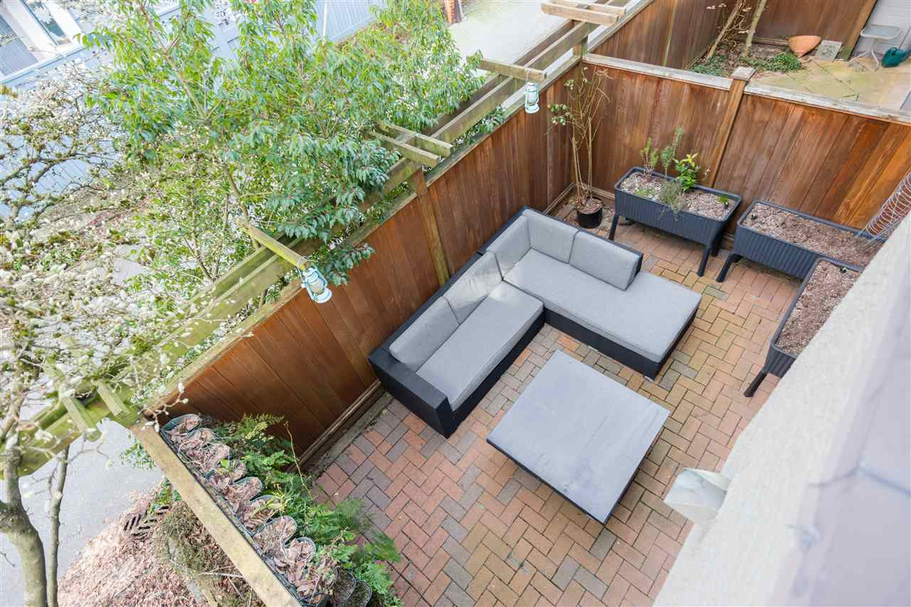 8 2133 ST. GEORGES AVENUE - Central Lonsdale Townhouse for sale, 2 Bedrooms (R2539535) - #10