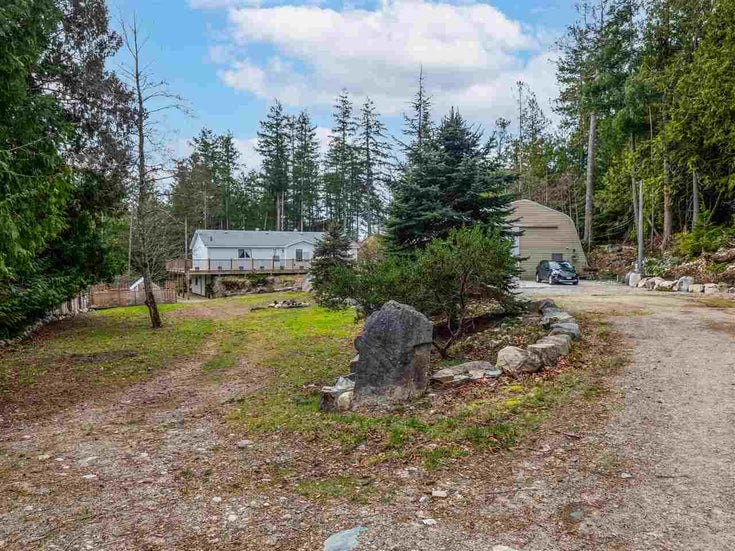 4904 HOTEL LAKE ROAD - Pender Harbour Egmont Manufactured with Land for sale, 3 Bedrooms (R2539705)