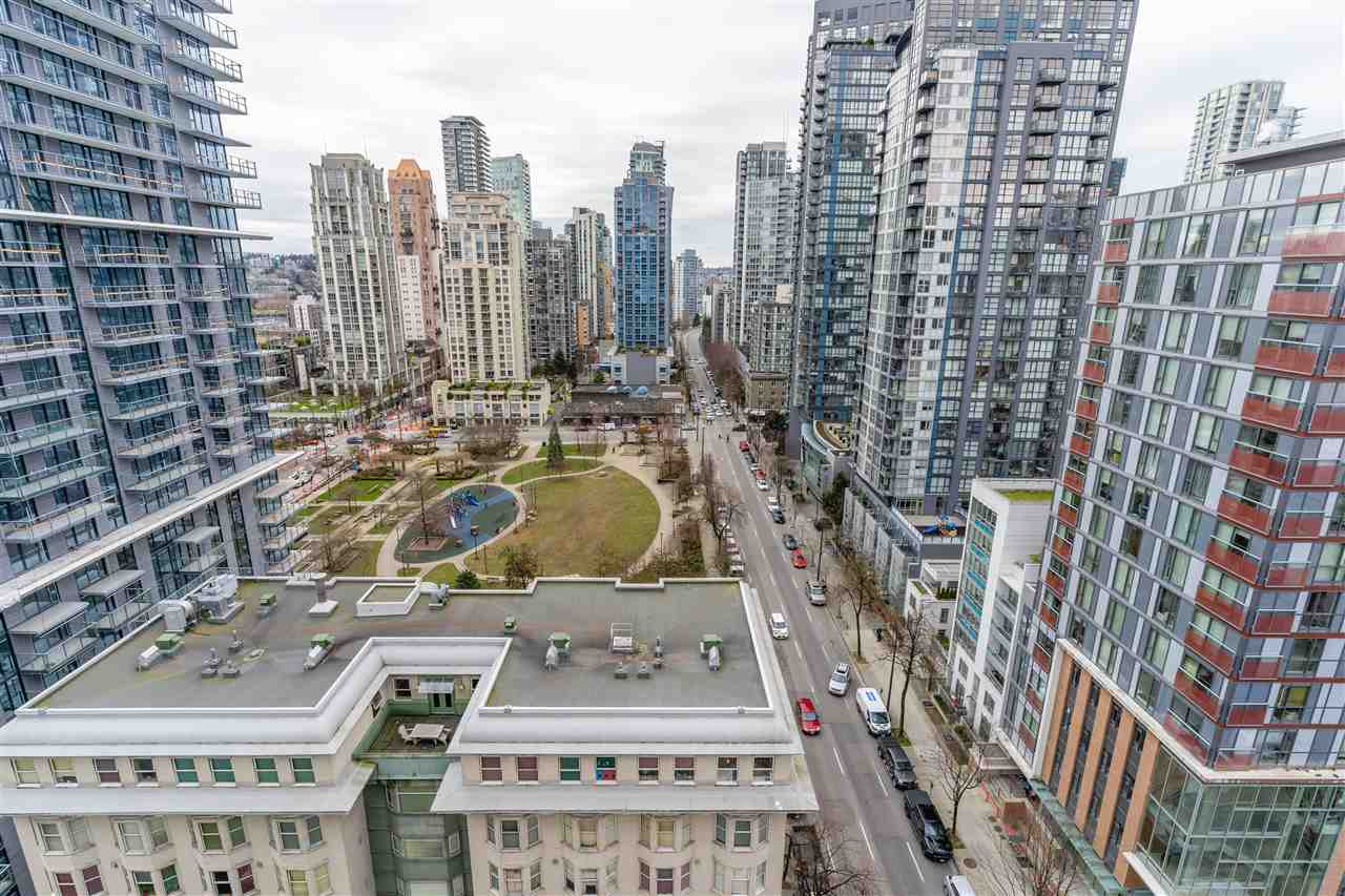 1910 1082 SEYMOUR STREET - Downtown VW Apartment/Condo for sale, 3 Bedrooms (R2539788) - #1