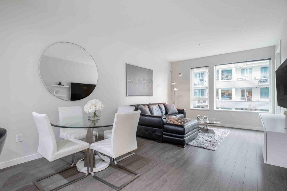203 277 W 1ST STREET - Lower Lonsdale Apartment/Condo for sale, 2 Bedrooms (R2540501)