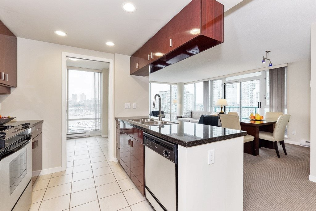 1203 1067 MARINASIDE CRESCENT - Yaletown Apartment/Condo for sale, 2 Bedrooms (R2540572) - #10