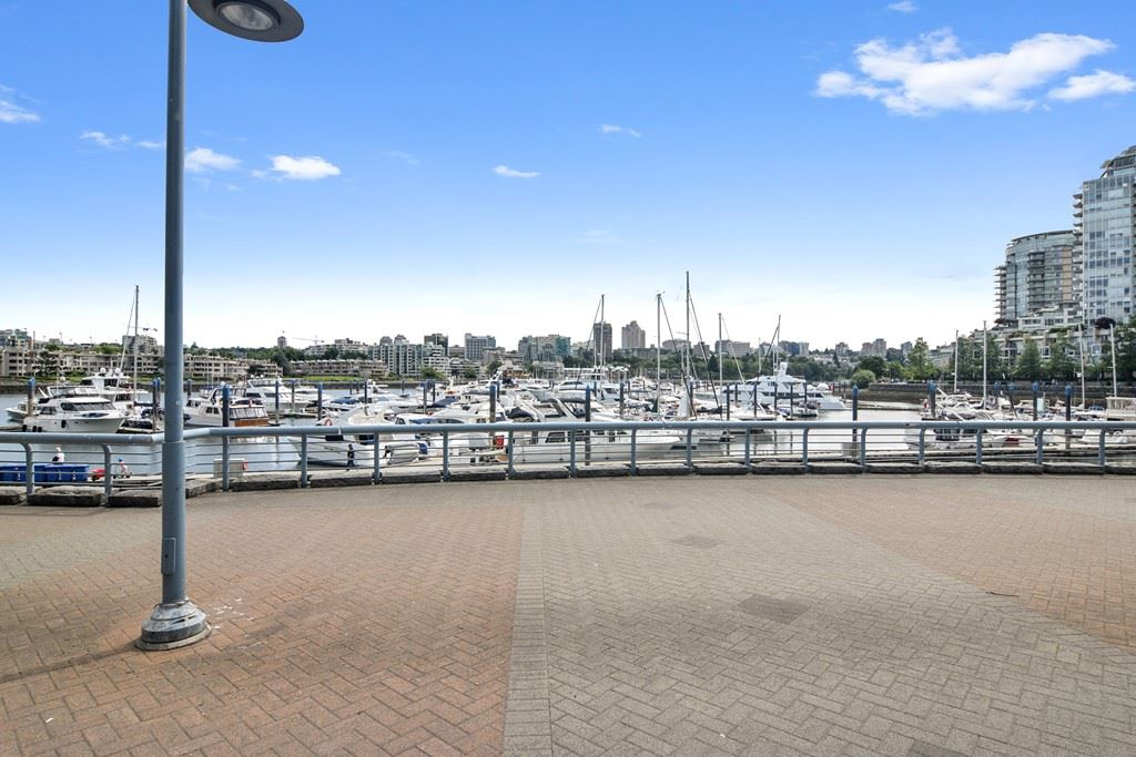1203 1067 MARINASIDE CRESCENT - Yaletown Apartment/Condo for sale, 2 Bedrooms (R2540572) - #3