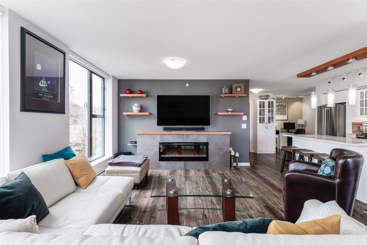 608 683 W VICTORIA PARK - Lower Lonsdale Apartment/Condo for sale, 2 Bedrooms (R2540629) - #1