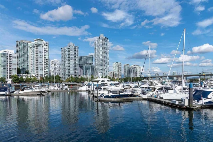 501 1199 MARINASIDE CRESCENT - Yaletown Apartment/Condo for sale, 3 Bedrooms (R2540728)
