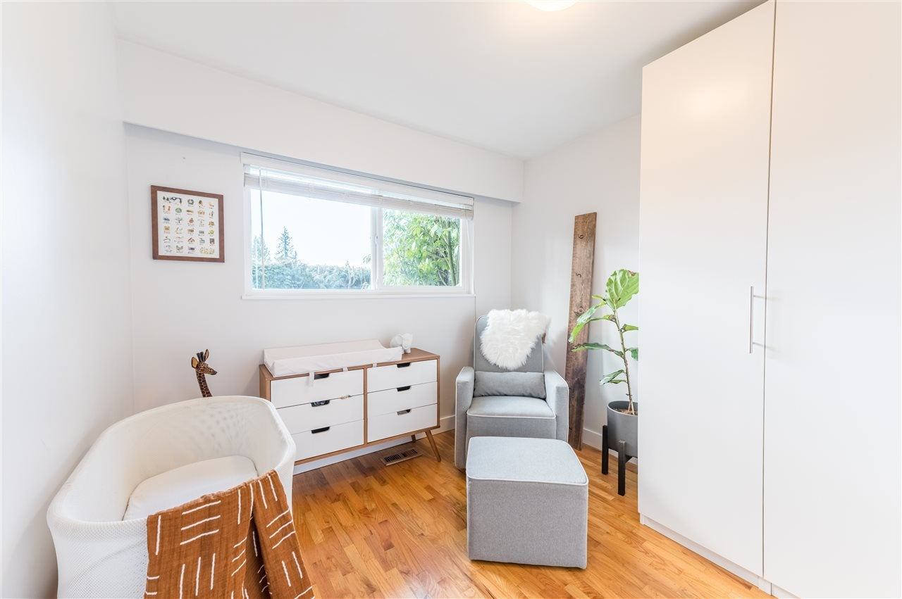 1345 DYCK ROAD - Lynn Valley House/Single Family for sale, 4 Bedrooms (R2541041) - #18