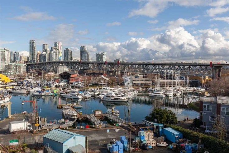 412 1490 PENNYFARTHING DRIVE - False Creek Apartment/Condo for sale, 2 Bedrooms (R2541410)