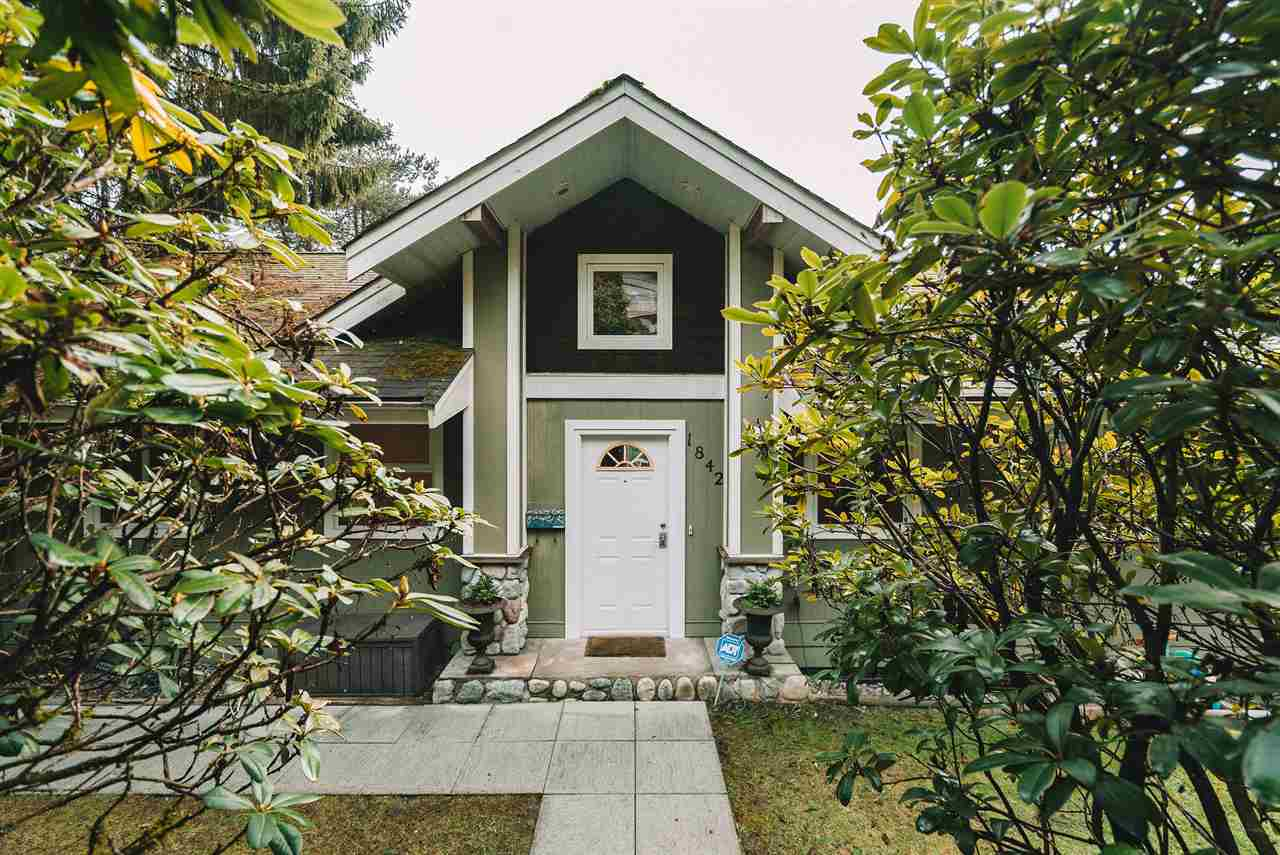 1842 CLIFFWOOD ROAD - Deep Cove House/Single Family for sale, 4 Bedrooms (R2541721)